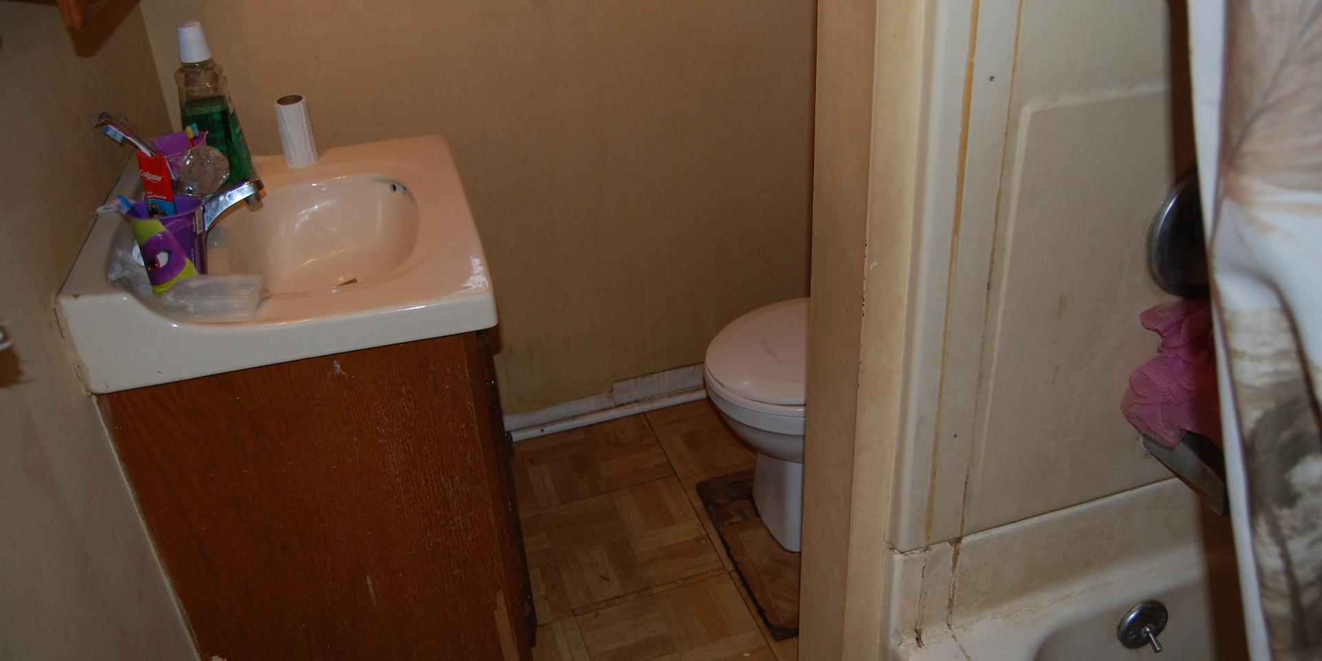 6.3 Bathroom.jpg