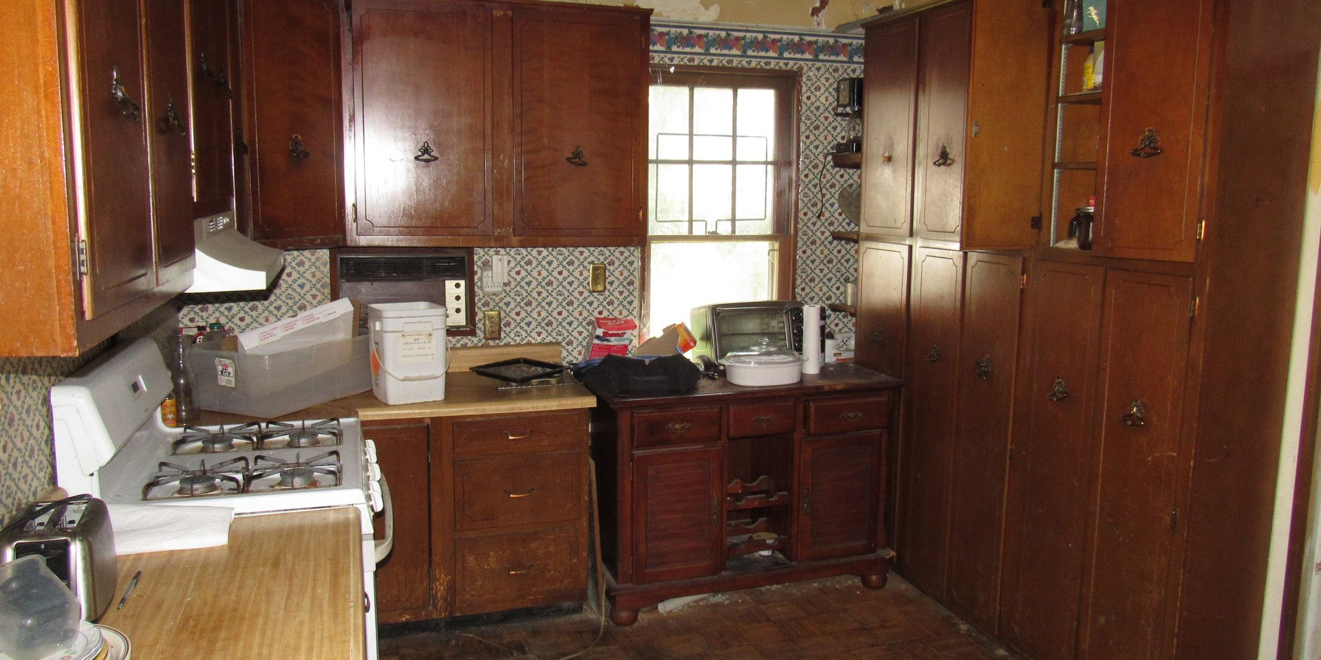 13 - Kitchen A.JPG