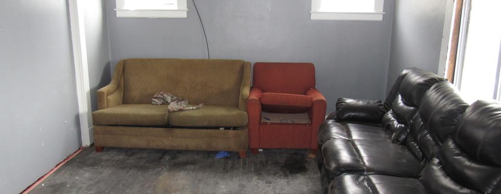 04 LivingFront Room 1JPG.jpg