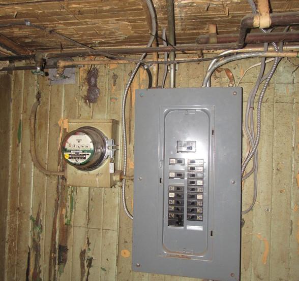 160 - 1525 Electric Panel.jpg