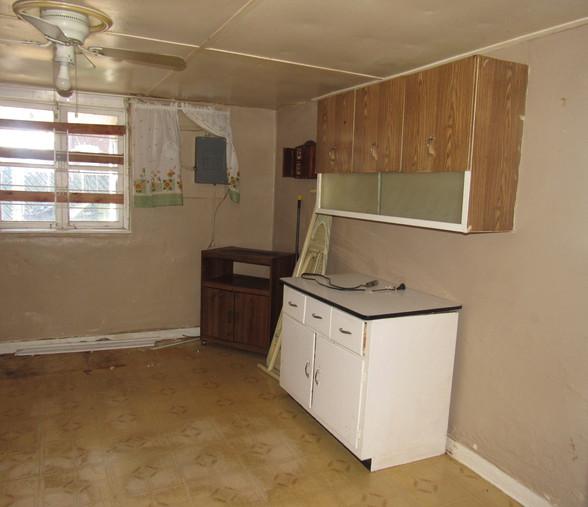 450 Kitchen.JPG