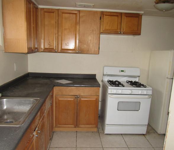 110 Apt 1 KitchenJPGJPG.jpg