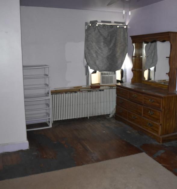 140 BedroomJPG.jpg