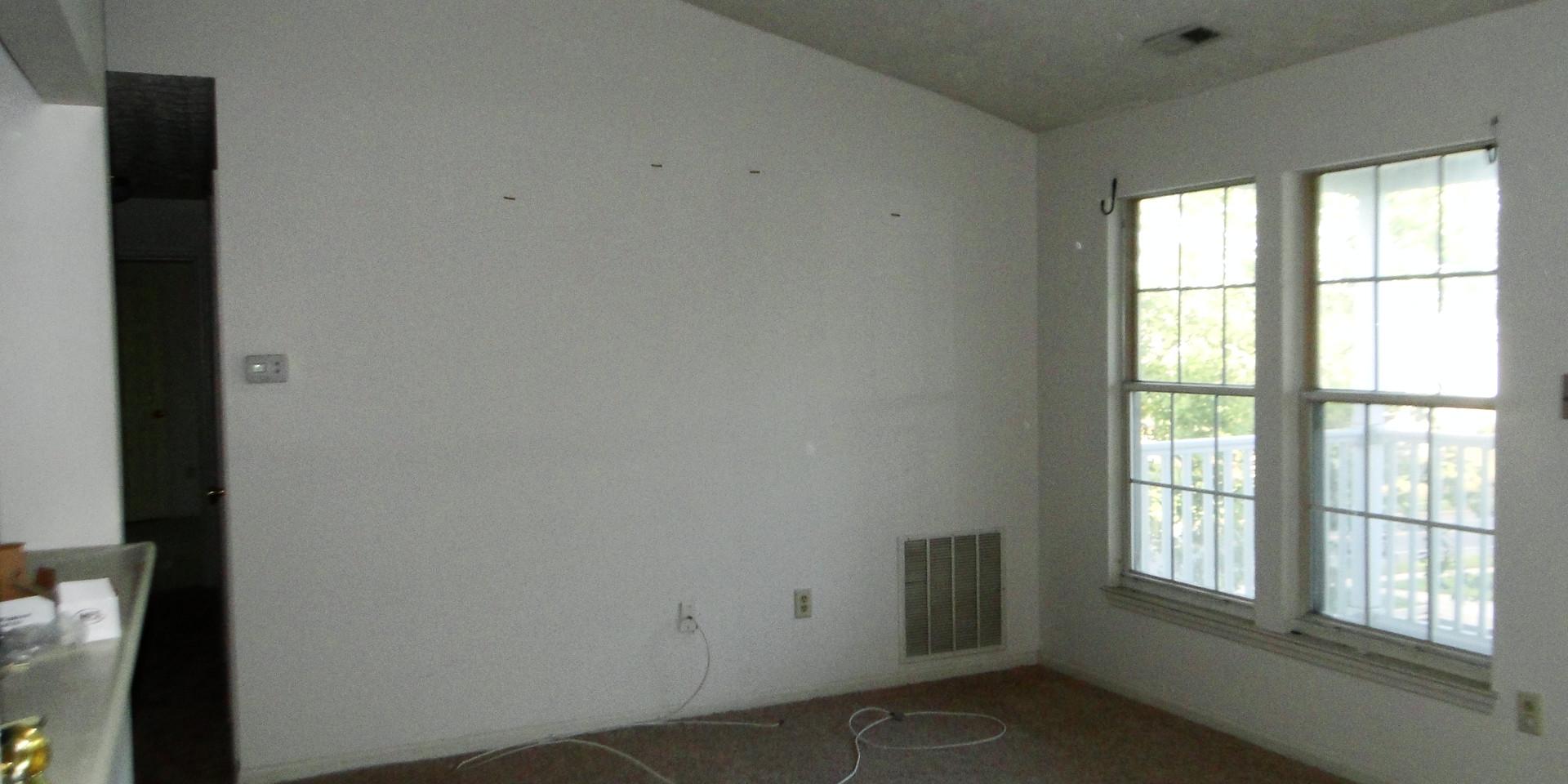 03 - Living Room.JPG