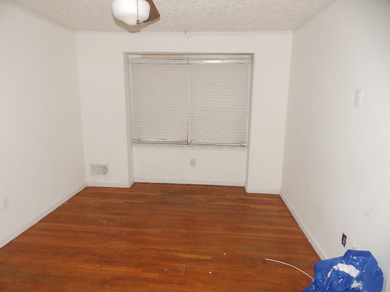7.0 Master Bedroom.JPG