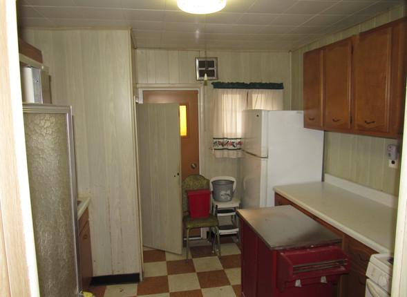 05 Kitchen C.JPG