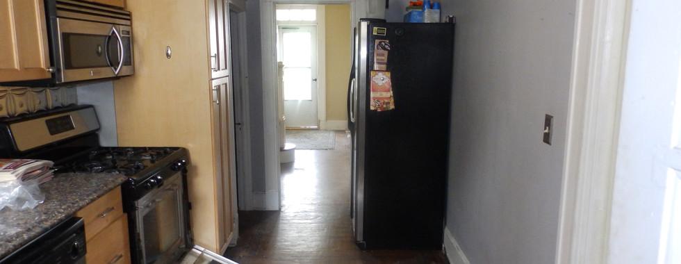 06 - Kitchen 2.JPG