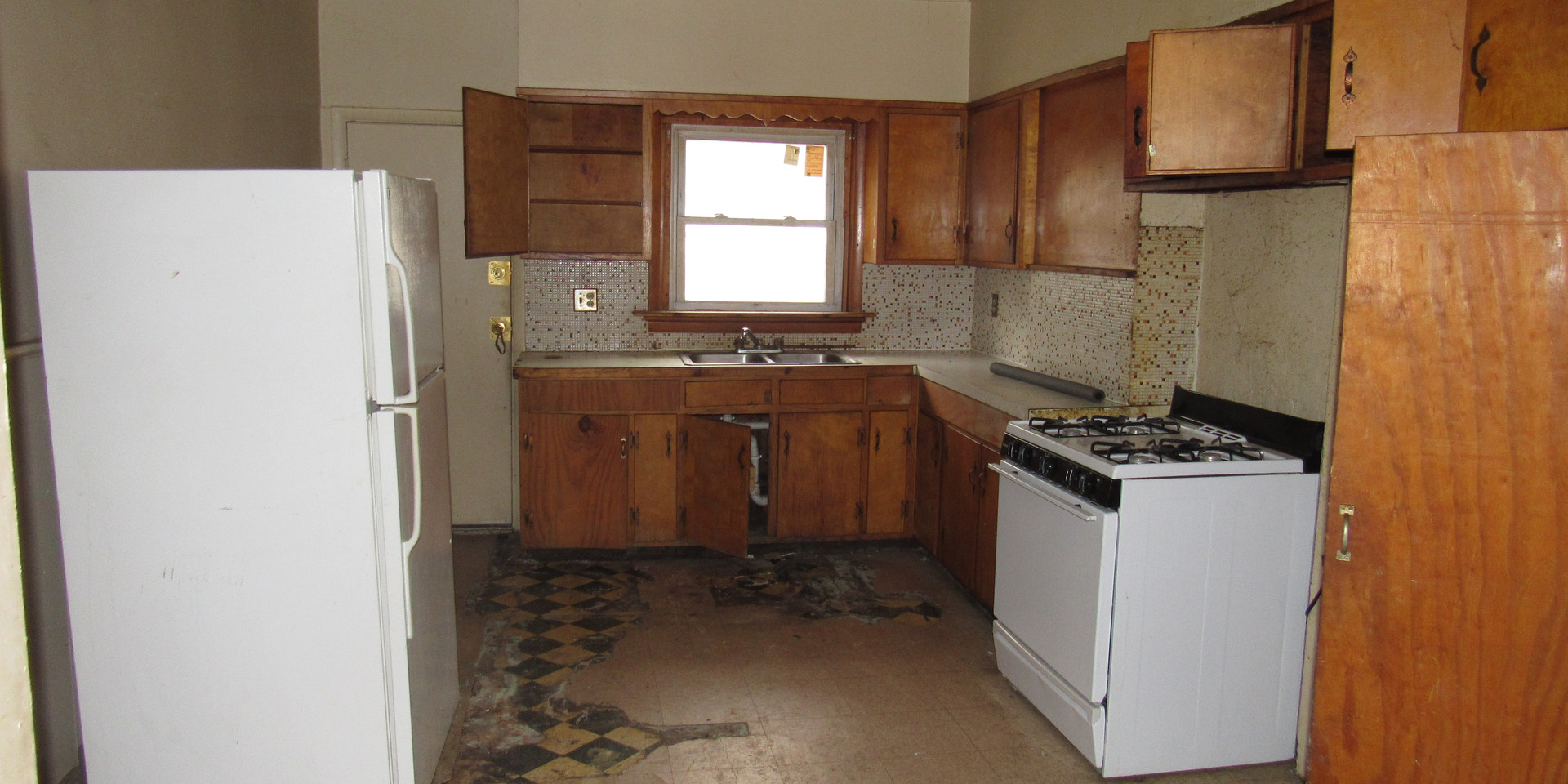 04 Kitchen AB.JPG