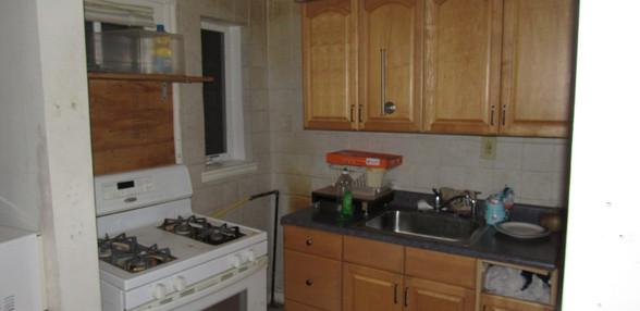170 Kitchen.JPG