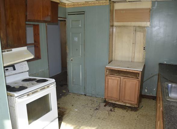 0019 Kitchen 2nd UnitJPG.jpg