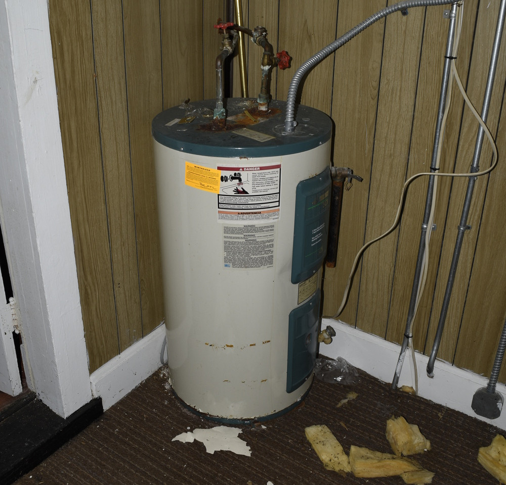 12.0 Apartment 1 Hot Water Heater.jpg