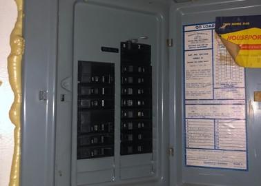 140 Electric PanelJPG.jpg