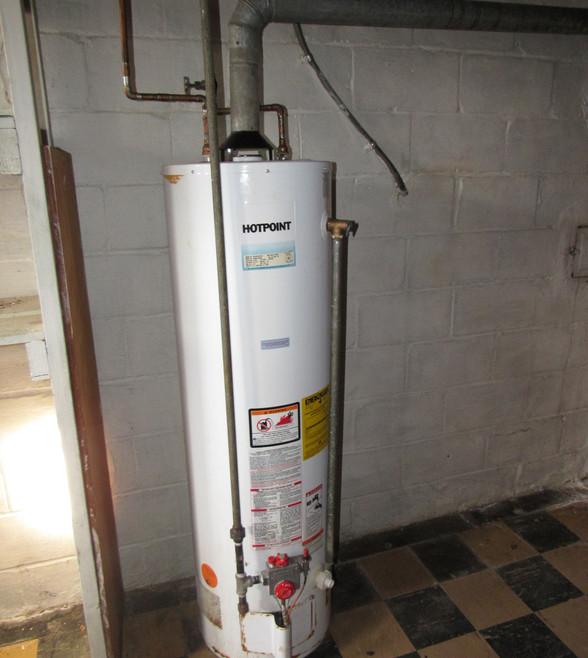 430 Water Heater.JPG