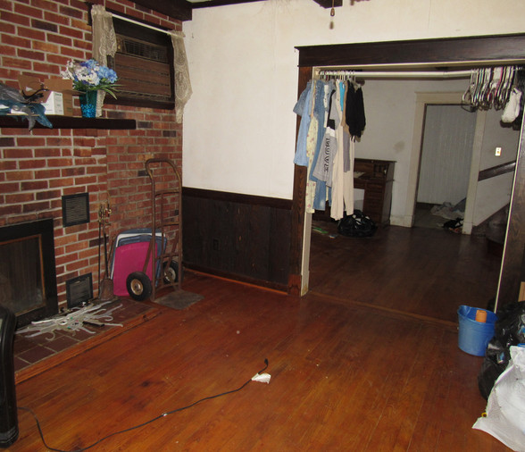 03 Living Room .JPG