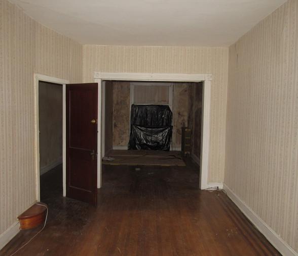 140 Dining Room.JPG