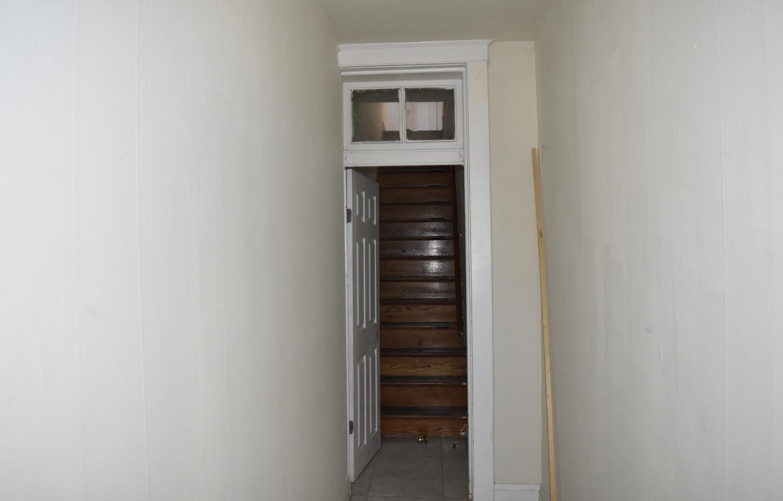 150 Stairwell to 2nd Apt.jpg