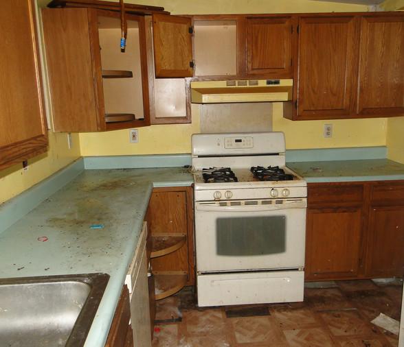 07 - Kitchen 1.JPG