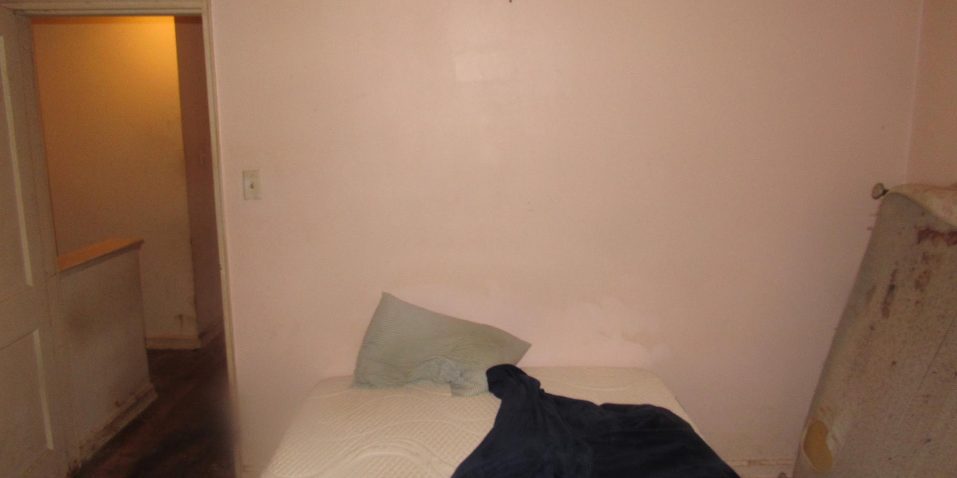 06A Bedroom 1 20 C.JPG