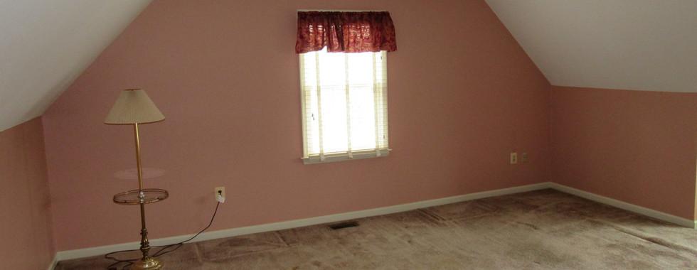 390 Second Level bedroom 3JPG.jpg