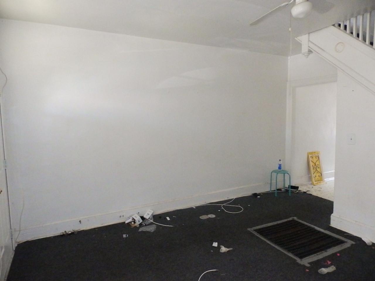 02 - Living Room 3.JPG