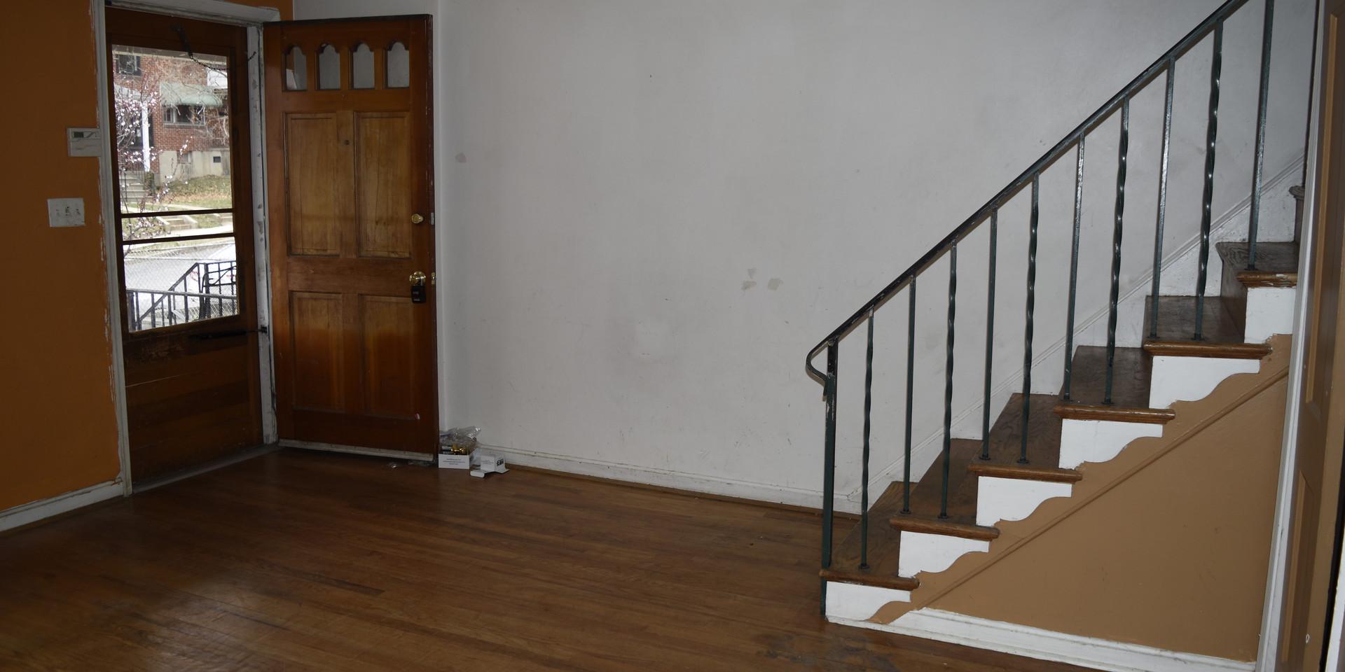 005 Living Room.JPG