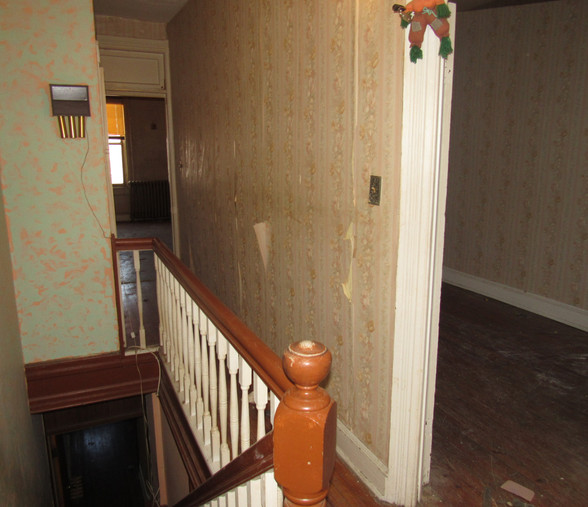 330 Hallway.JPG