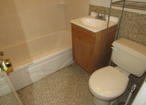 280 full BathroomJPG.jpg