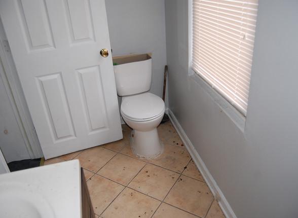 5.3 Full Bathroom.jpg