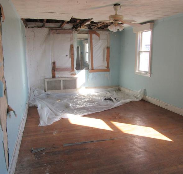 Ia Upstairs Bedroom2.JPG