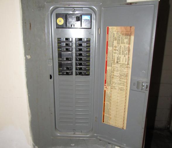 160 Electric PanelJPG.jpg
