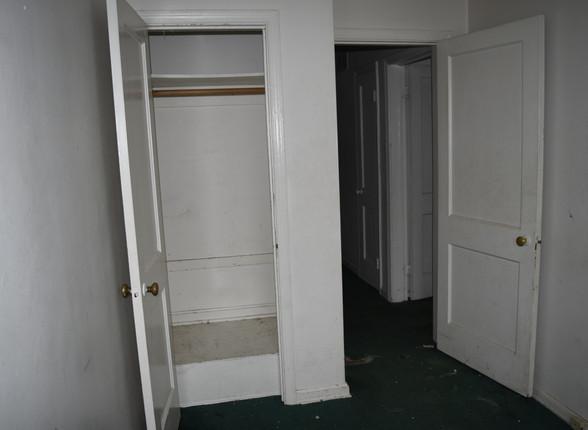015 Second Guest Room.JPG
