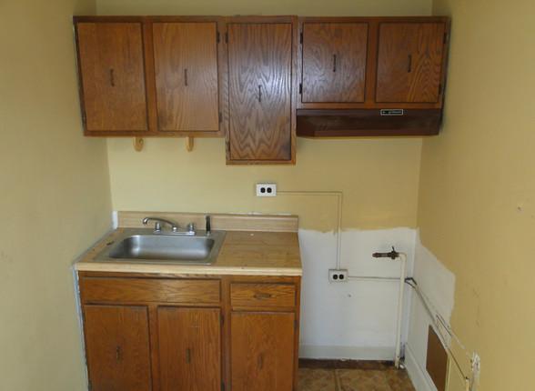 12 - Second Unit Kitchen.JPG
