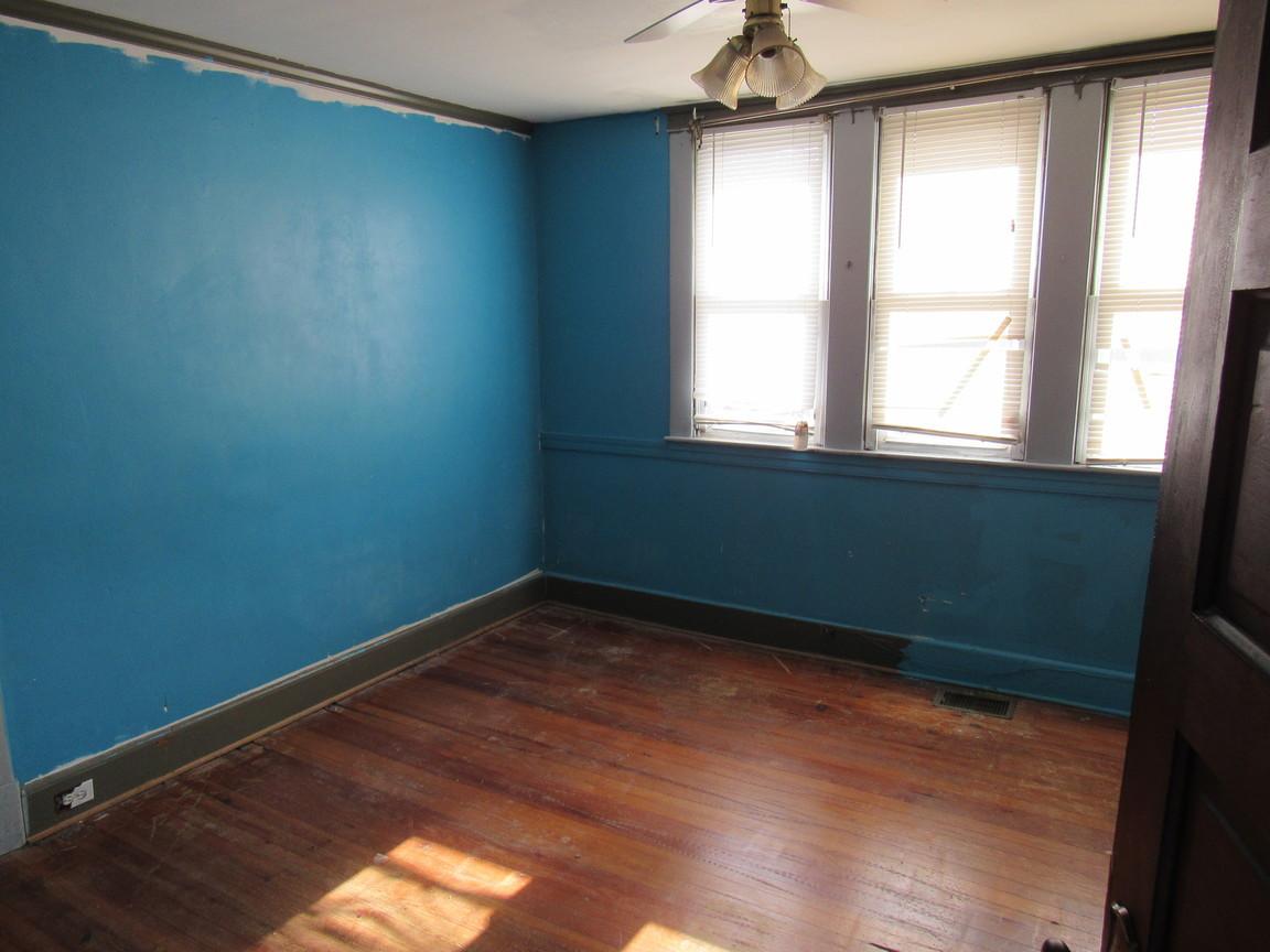 14 Bedroom 1AJPG.jpg