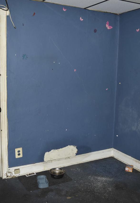 100 Bedroom 2JPG.jpg