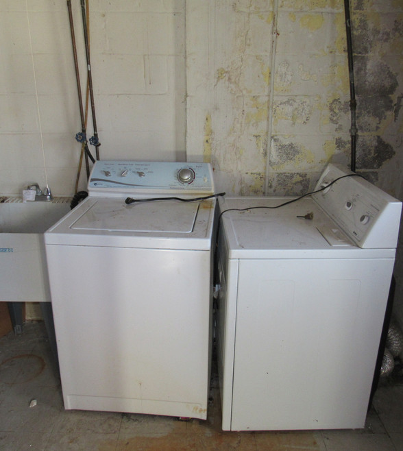460 Laundry.JPG