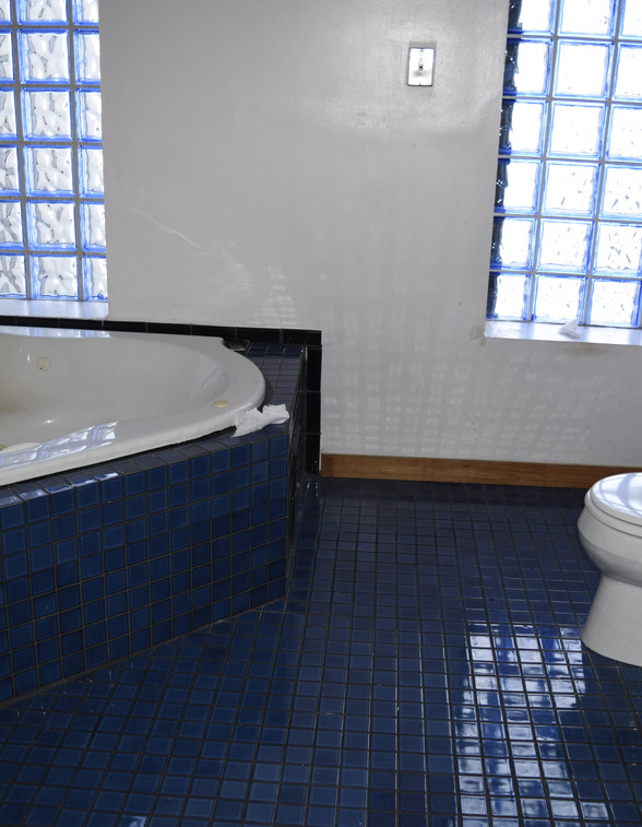 7.0 Master Bathroom.JPG