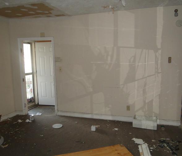 03 - Living Room 5.JPG