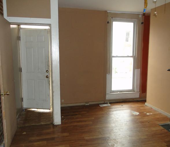 02 - Living Room_Entry.JPG