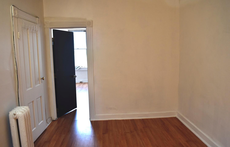 200 2nd Bedroom 2nd Apt.jpg