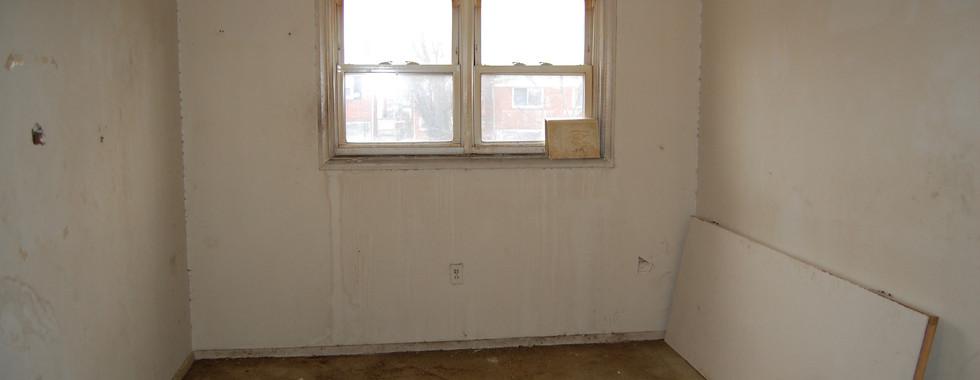 6.0 Guest Bedroom.JPG