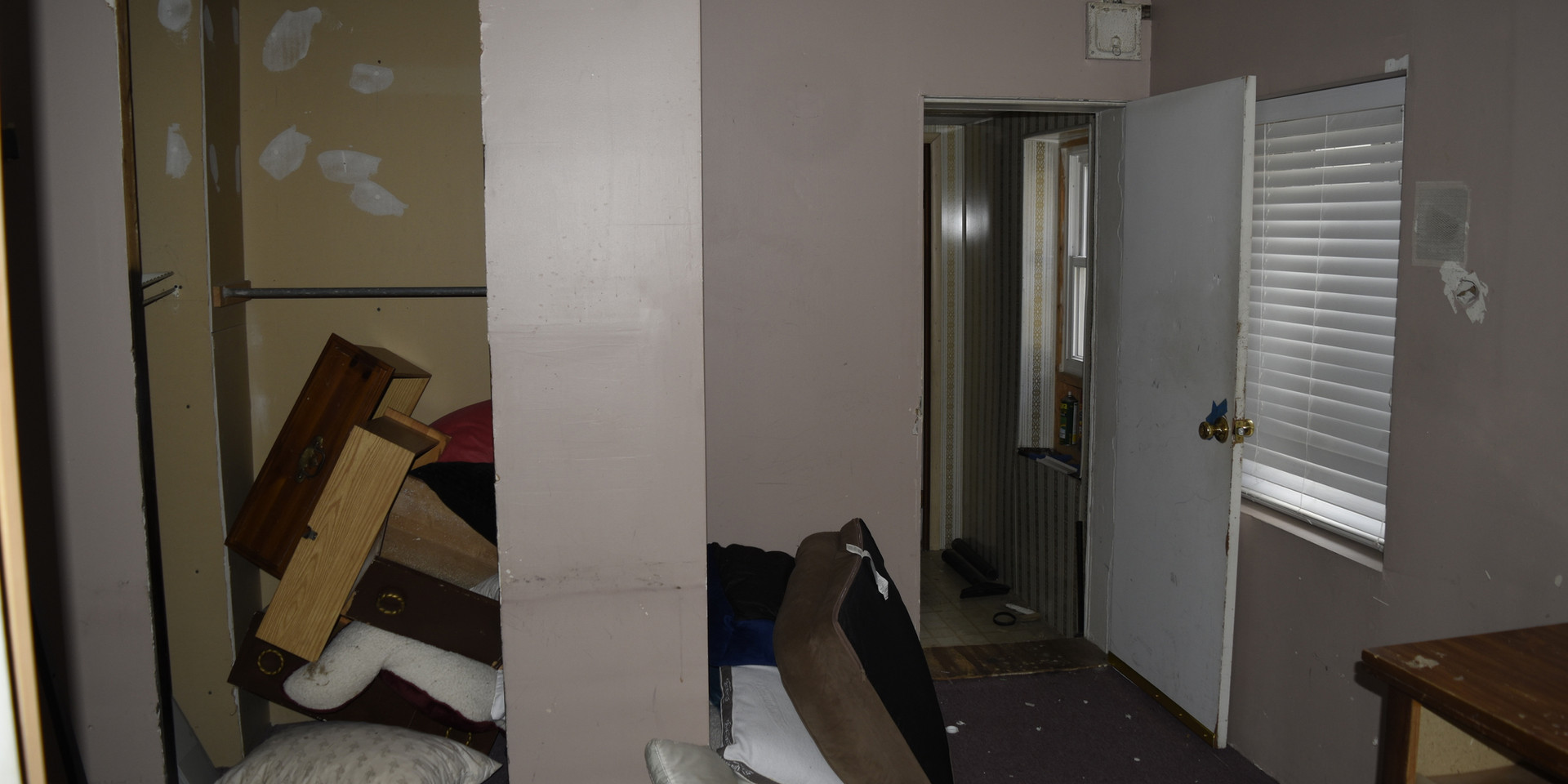 13 Bedroom 2.jpg