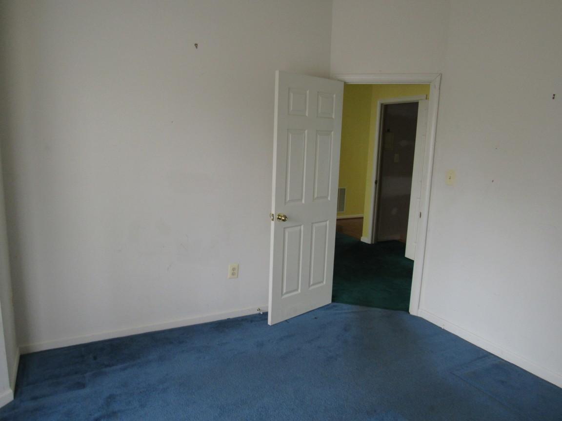 240 Main Level BedroomJPG.jpg