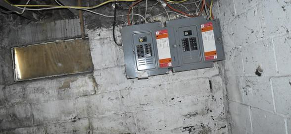 220 Electric Panel (Apt 2).jpg
