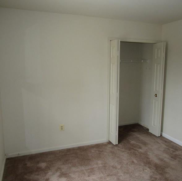 320 Second Level bedroom 1JPG.jpg