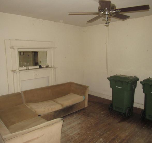 05 - 1525 Living Room.jpg