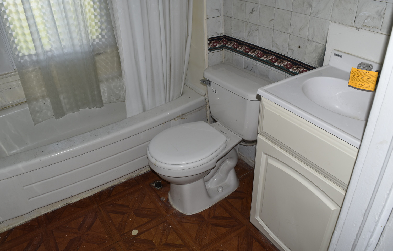 13.0 Apartment 1 Bathroom.jpg