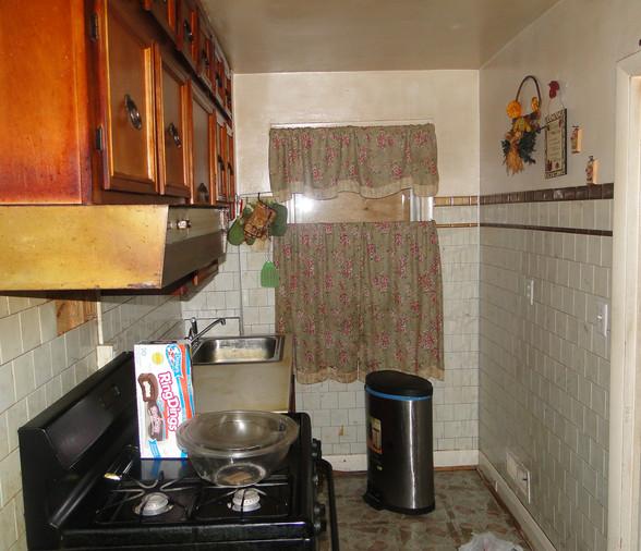 07 - Kitchen.JPG