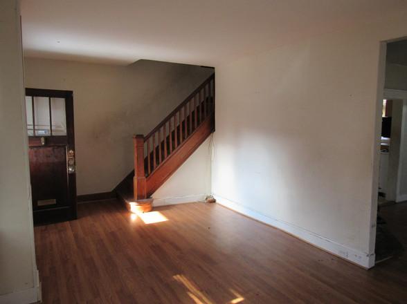6 Living Room DJPG.jpg