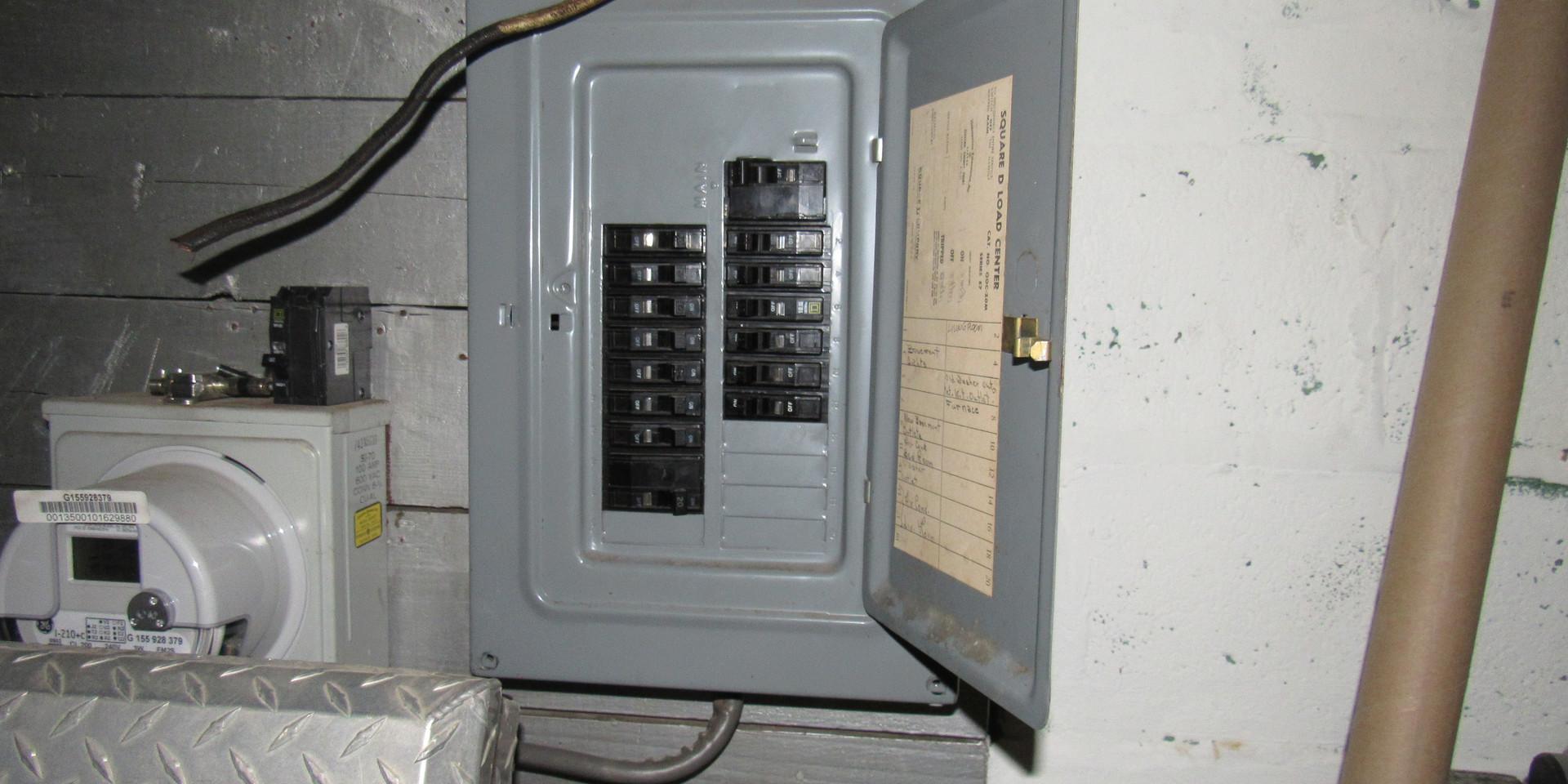 510 Electroc Panel.JPG