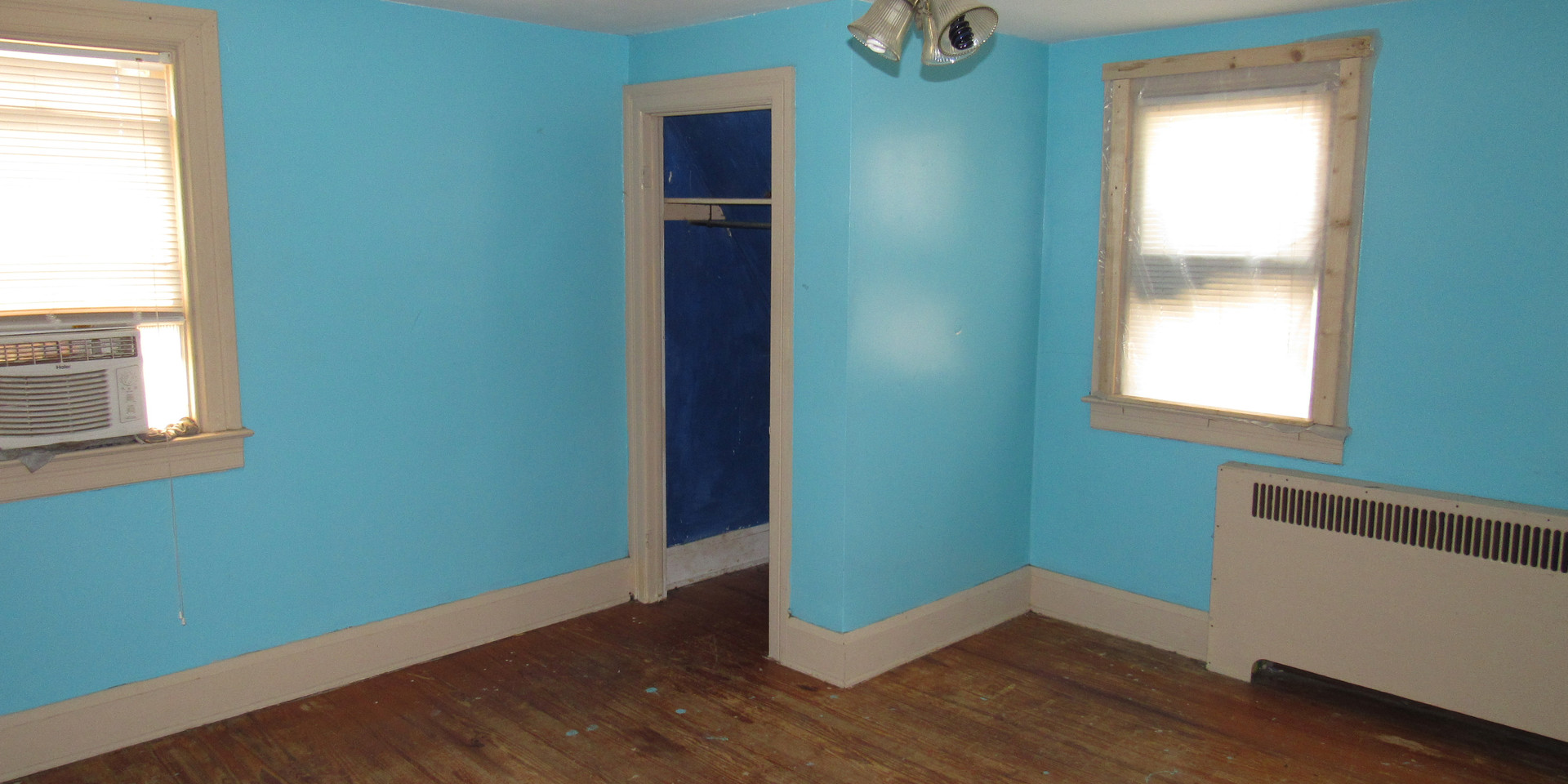 26 - Bedroom 2.JPG